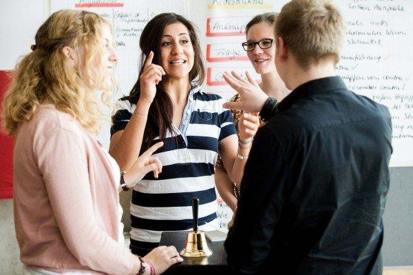 Debattieren lernen (Foto: Gemeinnützige-Hertie-Stiftung.de, Quelle: http://www.vol.at/egg/%E2%80%9Edebattieren%E2%80%9C-%E2%80%93-workshops-fuer-jugendliche/3509303)